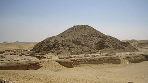 Egipto reabre la pirámide del rey Unis en Saqqara