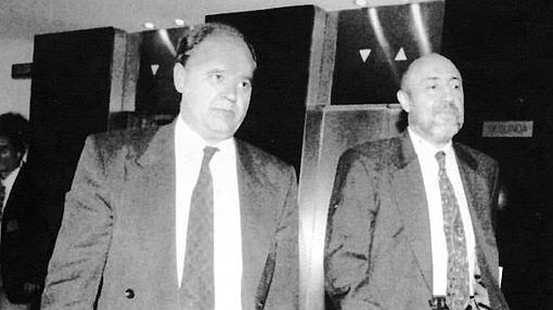 El ex director general de la Guardia Civil, Luis Roldan, a su llegada al Congreso de los Diputados en 1994