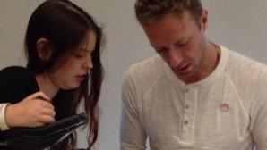 Chris Martin, de Coldplay, visita a una joven enferma en un hospital de Barcelona