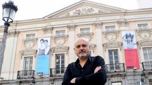 El exdirector del Español dice que tras su cese está la privatización del teatro