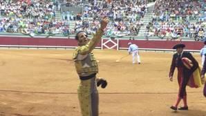 Padilla entusiasma y sale a hombros con Garrido en la Feria de Burgos