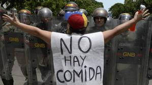 «Largo viaje inmóvil», putrefacción bajo el sol de Caracas