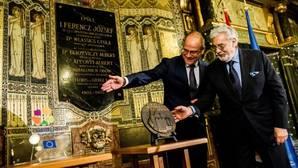 Plácido Domingo celebra en Budapest el galardón concedido a la Academia de la Música de Listz