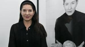 La redes sociales siembran la polémica por las memorias de Marina Abramović