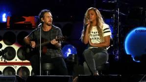 El vocalista de Pearl Jam detiene un concierto por una agresión a una mujer