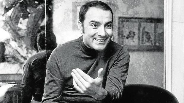 Manuel Puig, fotografiado en 1977