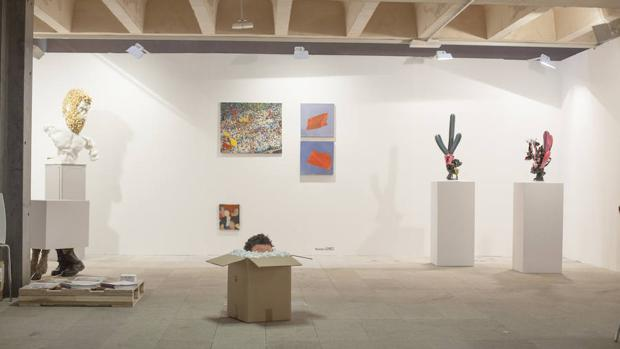 Estand del Cabildo de Lanzarote en Just Mad, con obras de Daniel Jordán, entre otros
