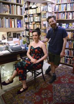 Charlotte y Terry, dueños de la librería