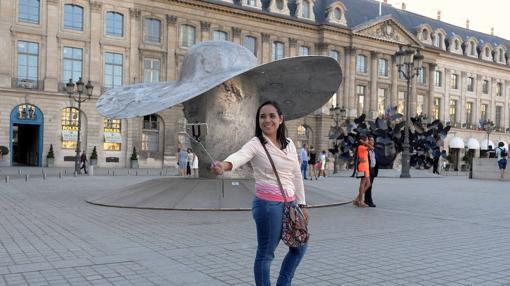 Exposición de Manolo Vallés en la Plaza Vendôme de París