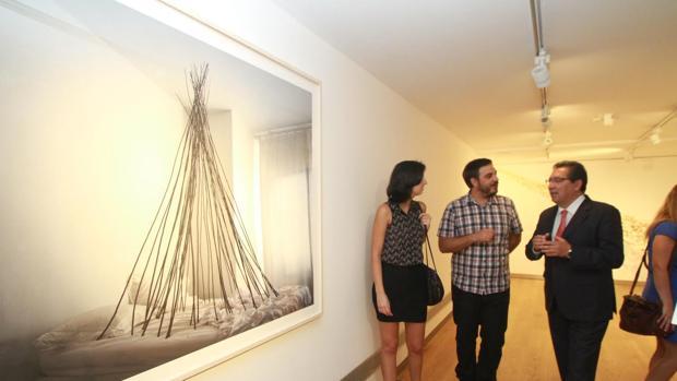 Imagénes de la exposición «Un lugar en el mundo» en la Fundación Cajasol