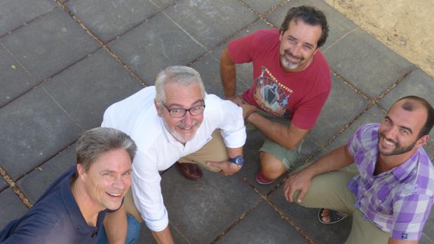 Los «seleccionadores» del libro: John Julius Reel, Manuel Machuca, Joaquín Dholdán y José Ibáñez