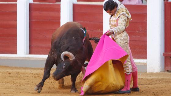 Curro Díaz, en una sensacional verónica