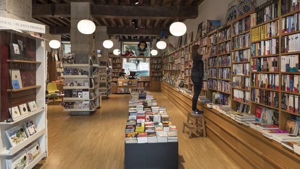 Entrada de la librería Gil, en Santander