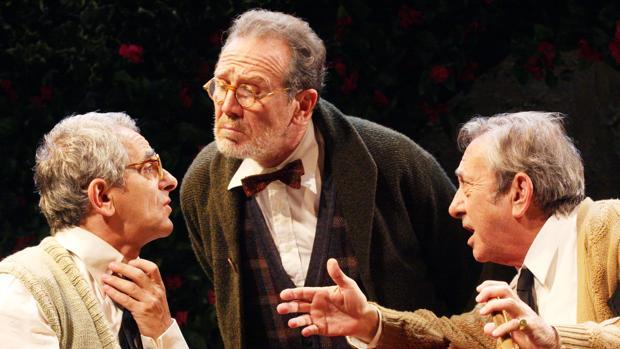 Iñaki Miramón, Juan Gea y Luis Varela, en una escena de «Héroes»