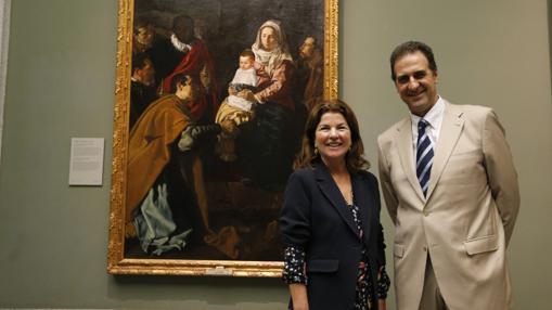 Anabel Morillo y Gabriele Finaldi, jayer unto a «La Adoración de los Magos», de Velázquez, que también viajará a la exposición en Sevilla