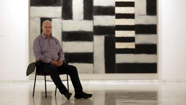 Sean Scully ante su obra «Michael» en el Centro Cultura Bancaja de Valencia