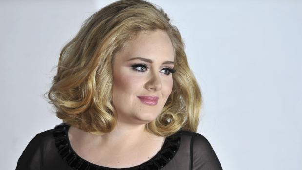 Adele podría dedicarse únicamente a su hijo durante la próxima década