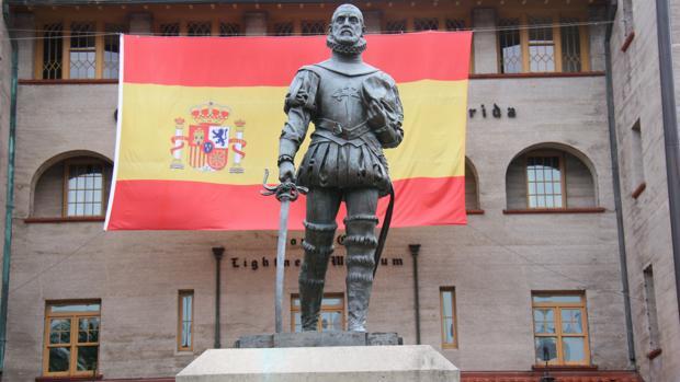 Foto de la estatua de Pedro Menéndez de Avilés en San Agustín (Florida)