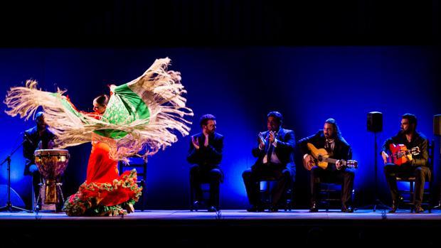 Luisa Palicio, la bailaora malagueña, por cantiñas