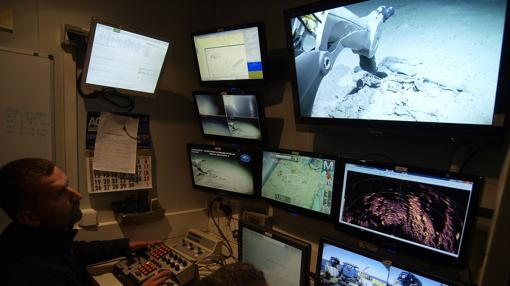 La sala de supervisión del ROV está montada en un container sobre la cubierta