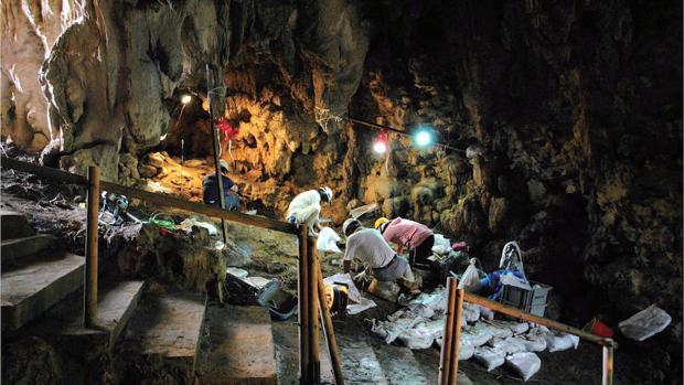 Cueva de la isla de Okinawa donde ha sido encontrado un anzuelo de hace 23.000 años