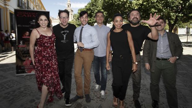 Axelrod junto a los solistas del «Homenaje a