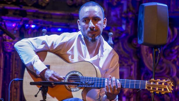 Rycardo Moreno ha presentado «Varekai», en San luis de los Franceses