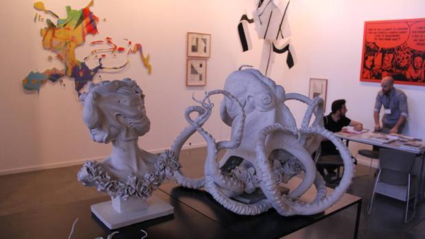 Pulpos y más cosas en el estand de Fernando Pradilla en Estampa