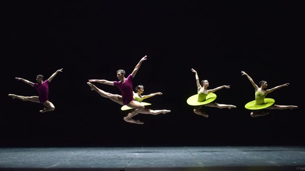 La CND en «The vertiginous thrill of exactitude», coreografía de William Forsythe