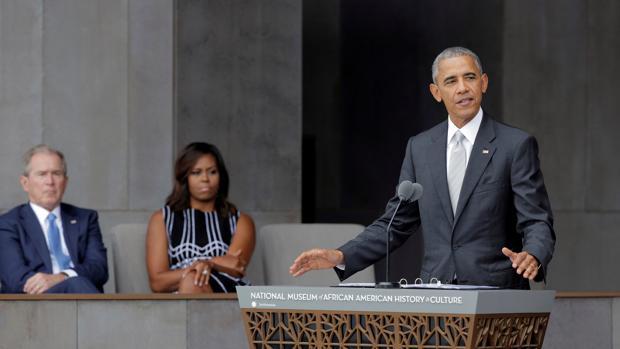 Obama inaugurando el Museo de la Historia y la Cultura Afroamericanas
