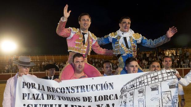 Rafaelillo y Ureña salen a hombros en Lorca