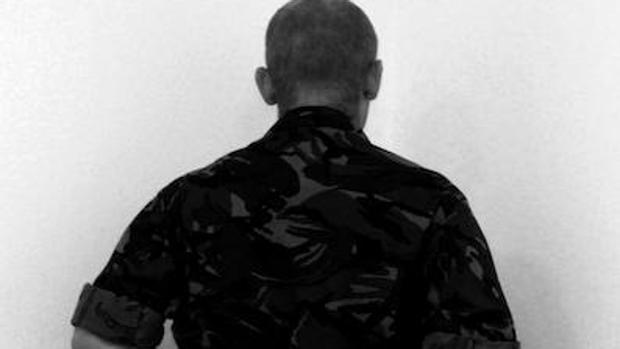 Uno de los «25 veteranos» retratados por Santiago Sierra para su último proyecto