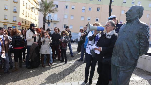 La reedición de 'Cinco historias del vino' de Quiñones llega a Cádiz