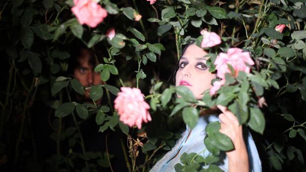 Svali y Wences Lamas, entre las flores