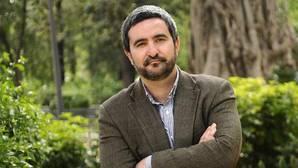 El periodista sevillano Daniel Ruiz, XII Premio Tusquets por su novela «La gran ola»