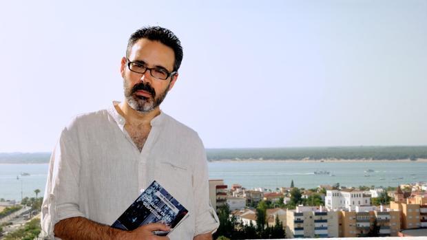 Luis Miguel Fuentes presenta 'Como llueve en las despedidas'