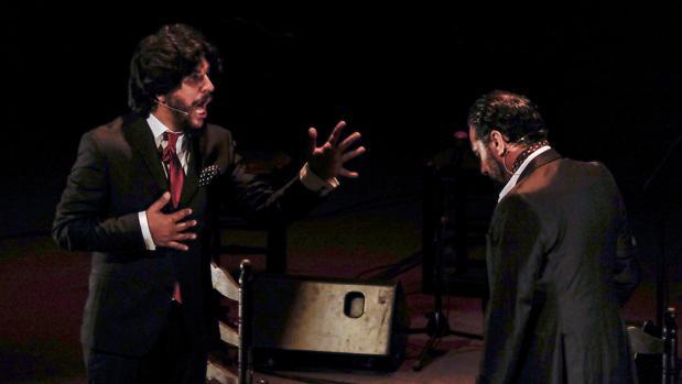Rancapino hijo y Pedro el Granaíno, durante su mano a mano en la Bienal de Flamenco