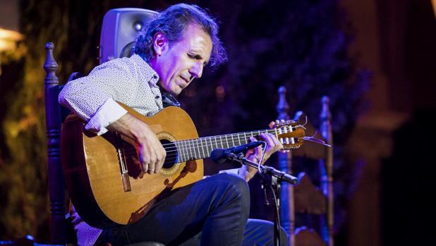 Juan Carlos Romero, durante su actuación en el Espacio Santa Clara