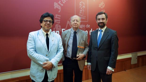 Fernando Iwasaki, Jorge Edwards y Luis Rey Goñi