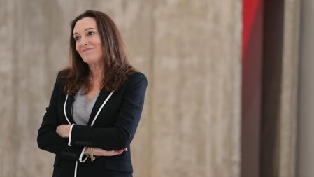 Cristina Iglesias, autora de las puertas del edificio de Moneo en el Prado