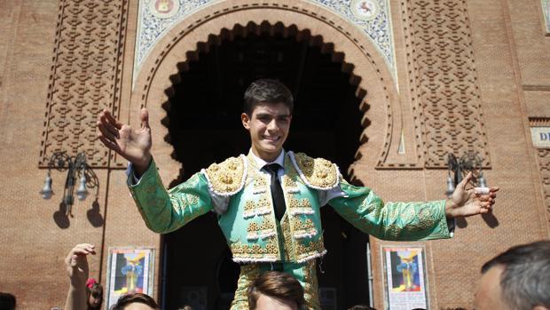 Francisco de Manuel sale a hombros en la matinal de la Feria de Otoño
