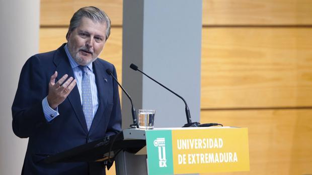 El ministro de Educación, Cultura y Deporte