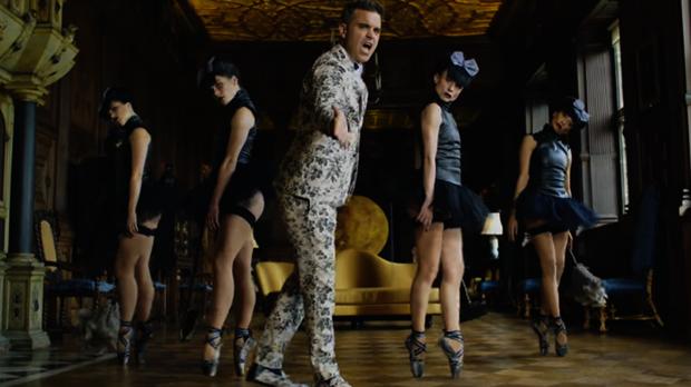 Imagen del vídeo de Robbie Williams «Party Like A Russian»
