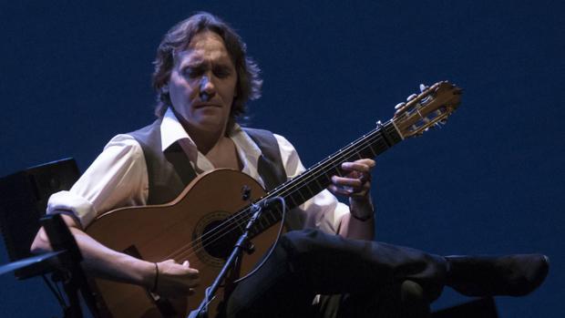 Vicente Amigo, durante su concierto en el Teatro de la Maestranza