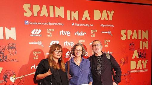 Coixet, con María José Martínez y Jesús Heredia, emisores de las imágenes, en el preestreno.