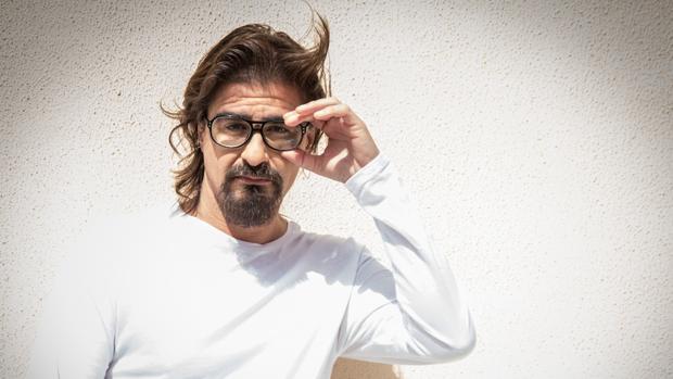 Joaquín Calderón afronta un reto con su nuevo disco