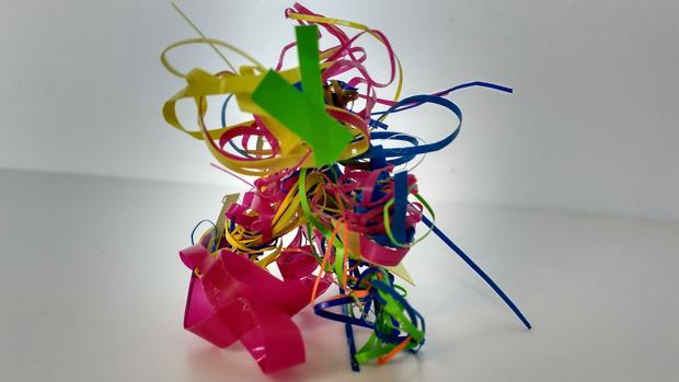 Residuos pictóricos de Arancha Goyeneche, que han dado pie a piezas tridimensionales