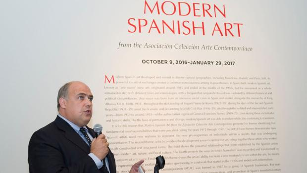 Mark A. Roglán, durante la presentación de la exposición