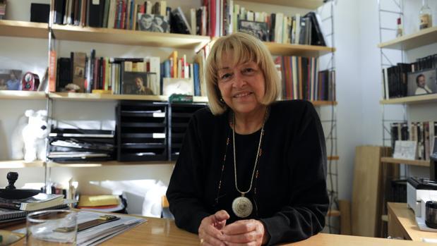Beatriz de Moura, en su despacho