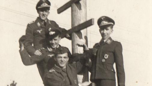Brill (a la derecha) en Thorn